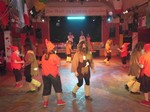 """Die Paartanzgruppe erfreut das Publikum mit einem """"märchenhaften"""" Tanz!"""